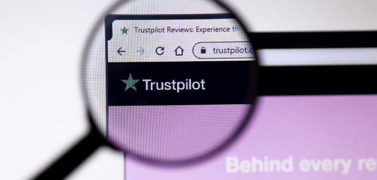 Trustpilot logo through a magnifying glass